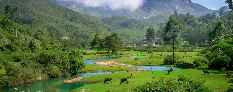 top 10 best popular tourist places destinations list to visit in Kerala