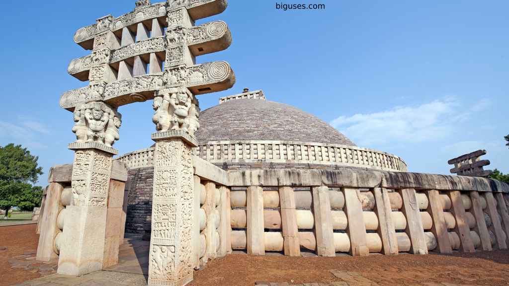 Best tourist places to visit in Madhya Pradesh